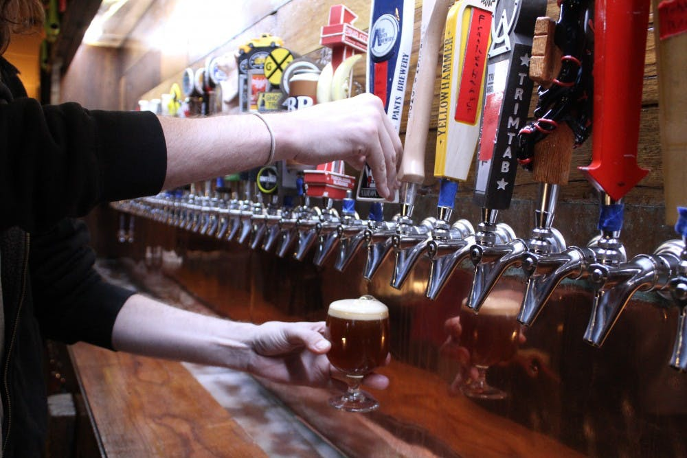 Hops, strands and rock 'n' roll bands: 'Beeristas' share favorite brews, tunes