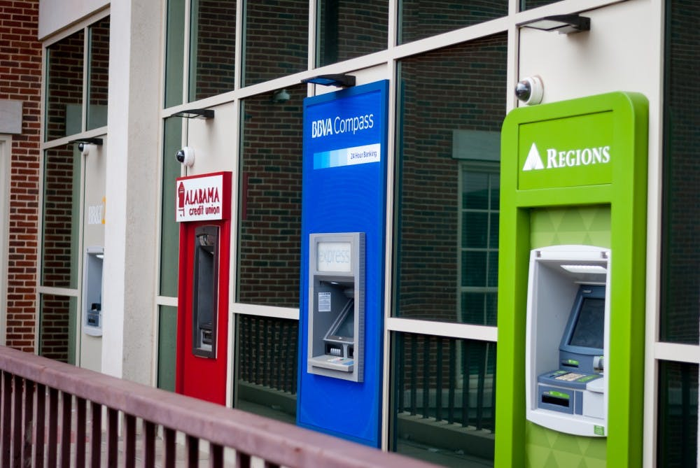 Out-of-state students struggle to find ATMs for their respective banks