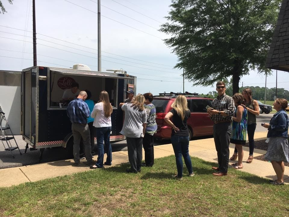 Food Truck Fridays help strengthen Tuscaloosa's food truck community