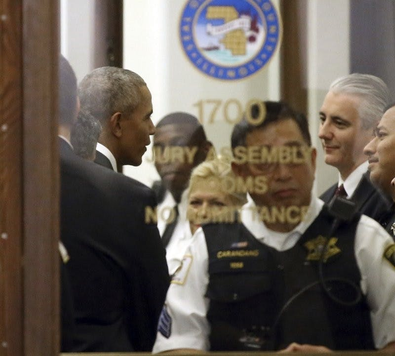 Barack Obama shows up in Chicago for jury duty; not chosen