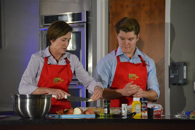 Jennifer Mearns appears on student cooking show