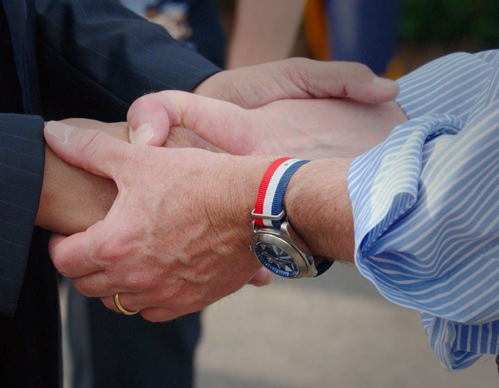 op-Handshake-CourtesyWikipediaCommons