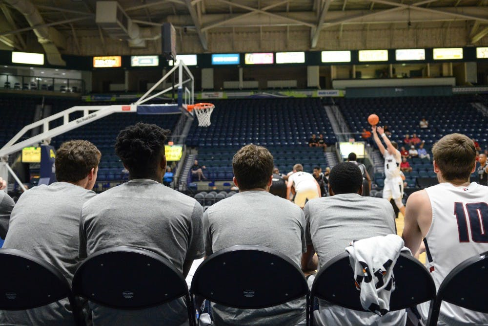 Men's and women's basketball teams head down south for Thanksgiving break