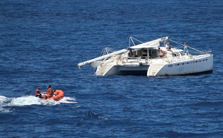 Crew_Zodiak_Catamaran-2