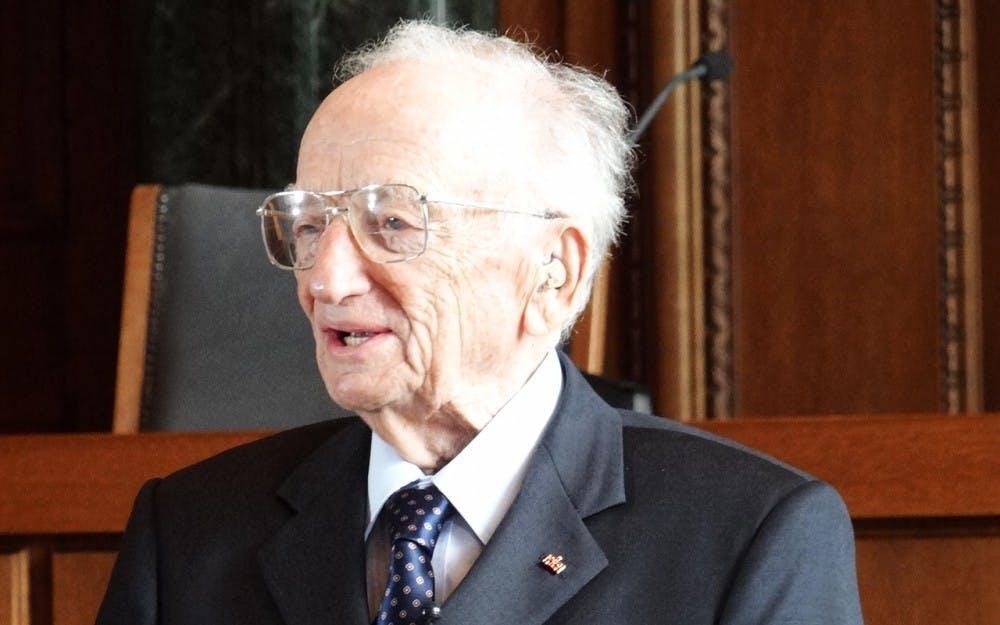 Benjamin_Ferencz_-_Chief_Prosecutor_in_1947_Einsatzgruppen_Trial_-_In_Courtroom_600_Where_Nuremberg_