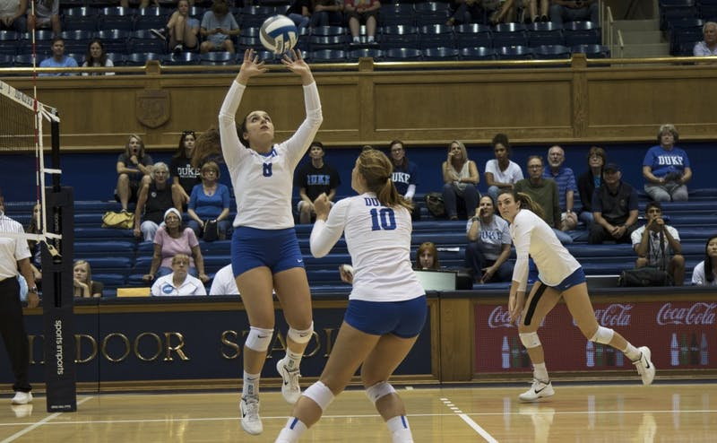 Emma Paradiso had 25 assists to help set up Duke's hitters for comfortable kills.