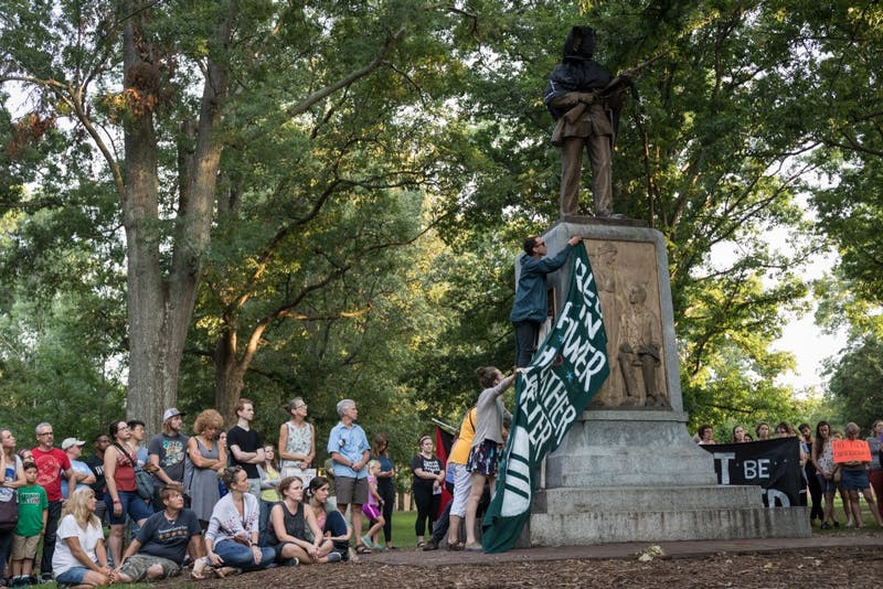 Chapel Hill mayor asks UNC to remove Silent Sam