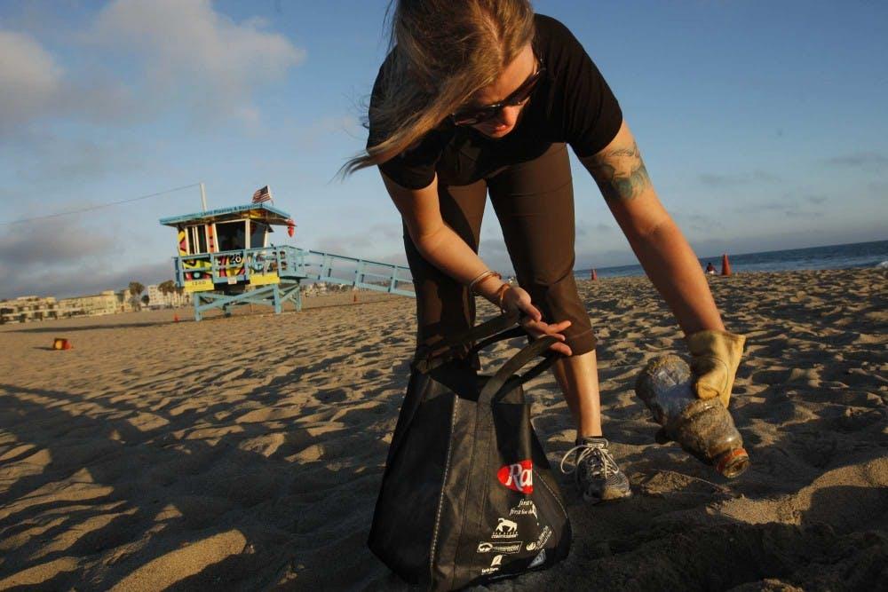 LIFE_ENV-BEACH-JUNK_3_LA