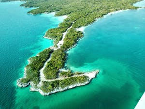 PUBLIC DOMAIN Geological evidence from the Bahamian islands reveals that superstorms once ravaged the Earth.