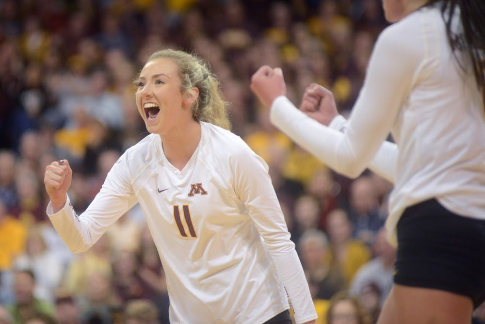 No. 1 Minnesota wins first two matches in Texas tournament to remain undefeated