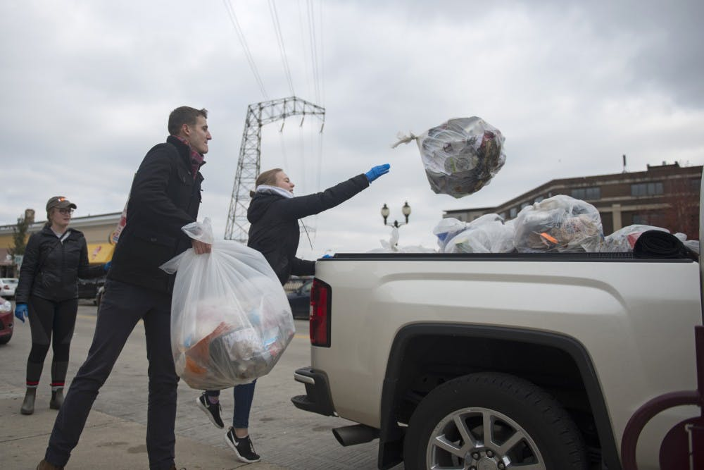 Students host clean-up day to combat Dinkytown litter