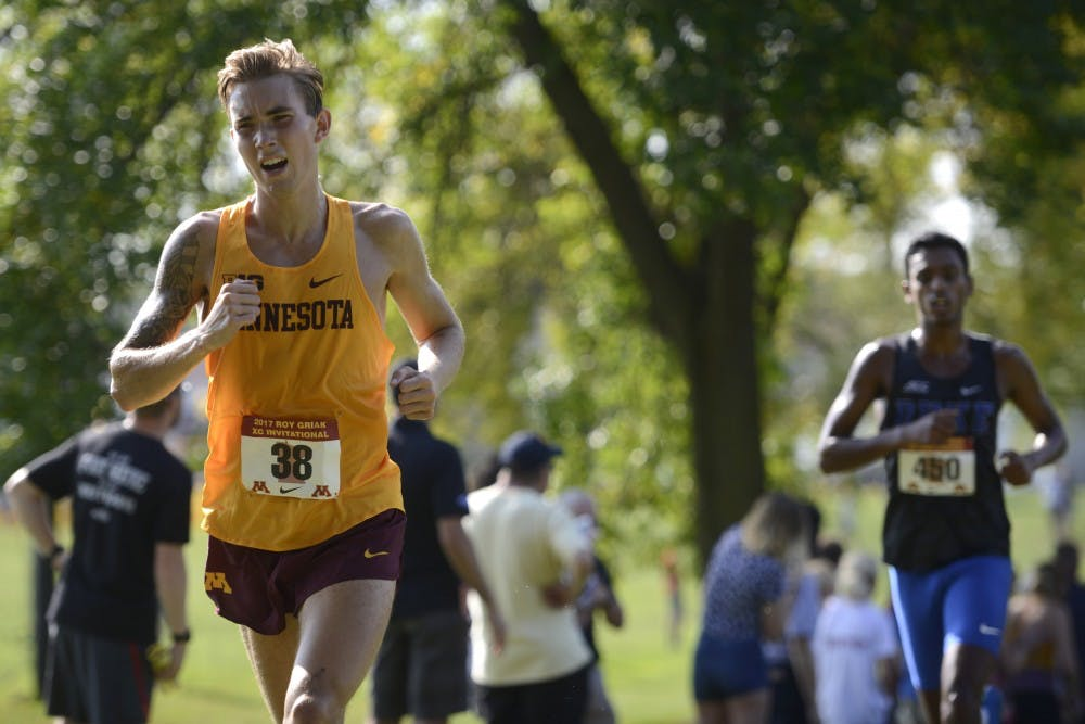 Unattached runners lead the way in Fall Finale