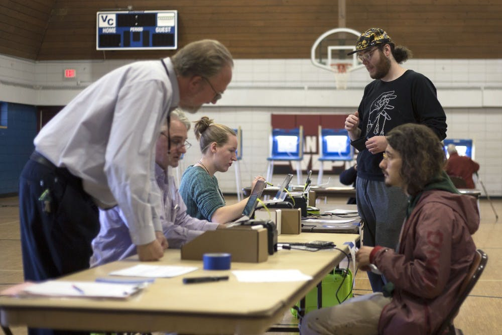 Students hit the polls as Election Day in Minneapolis ramps up