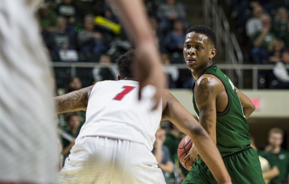 Men's Basketball: Confidence from Phillips, teammates helps Teyvion Kirk in 'Battle of the Bricks' debut