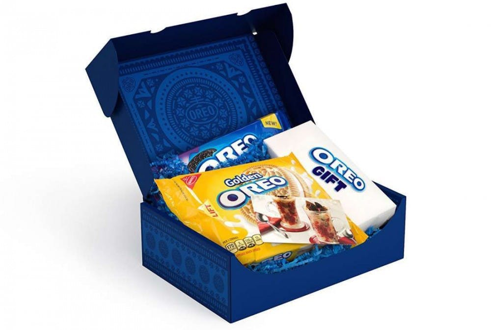 Fun News Friday: Amazon offers Oreo subscription boxes; Couple who met on Neopets gets married