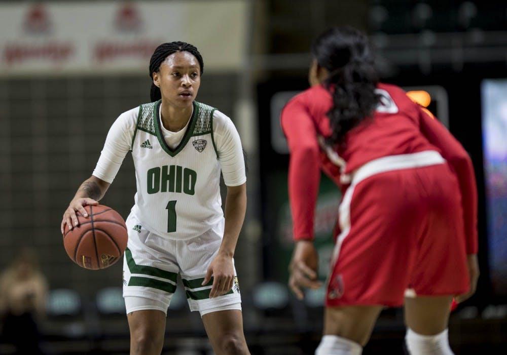 Women's Basketball: Cierra Hooks and Gabby Burris shine in first career starts