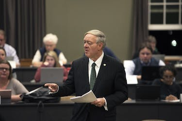 President Dr. M Duane Nellis speaking at the Faculty Senate meeting on Monday, February 5, 2018. McKinley Law | Photo Editor