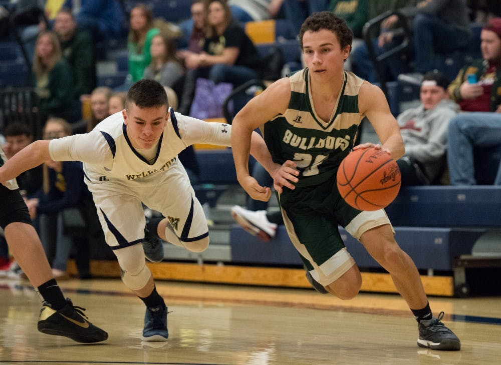 Athens Basketball: Bulldogs extend winning streak to six with blowout of Wellston