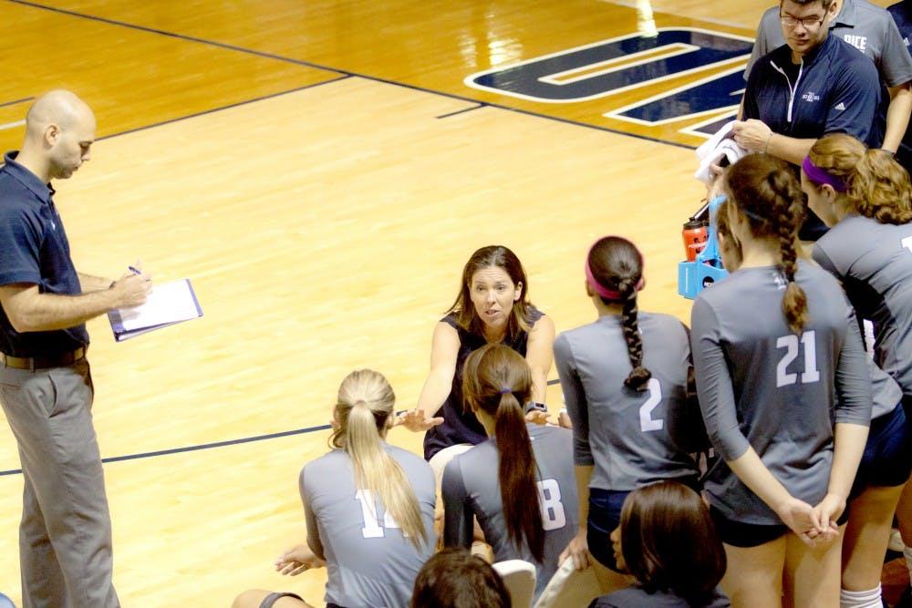 volleyball_coach_col_sean_chu