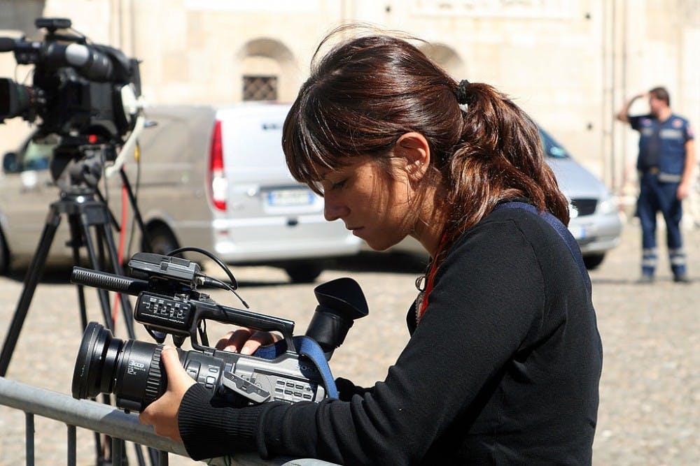 1024px-Videojournalist