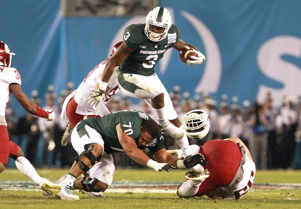 Holiday Bowl: MSU players enjoy day at the beach
