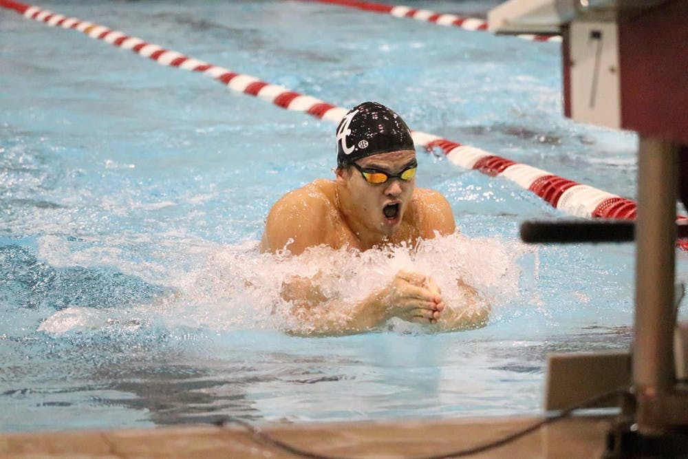 Alabama swimming and diving sweeps Delta State
