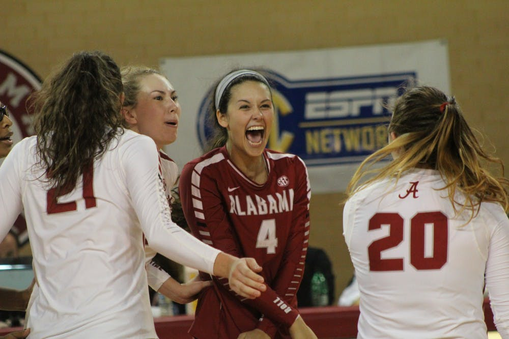 Alabama volleyball rallies for five set victory over Tennessee