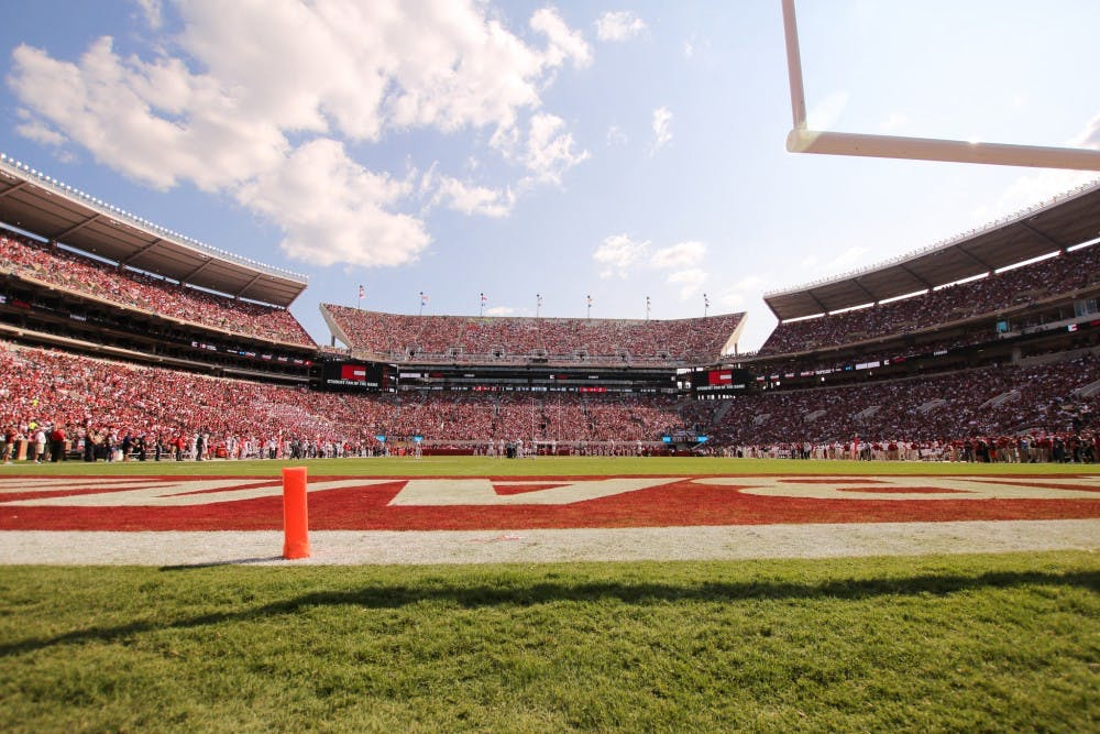 Alabama football lands commitment from top in-state prospect