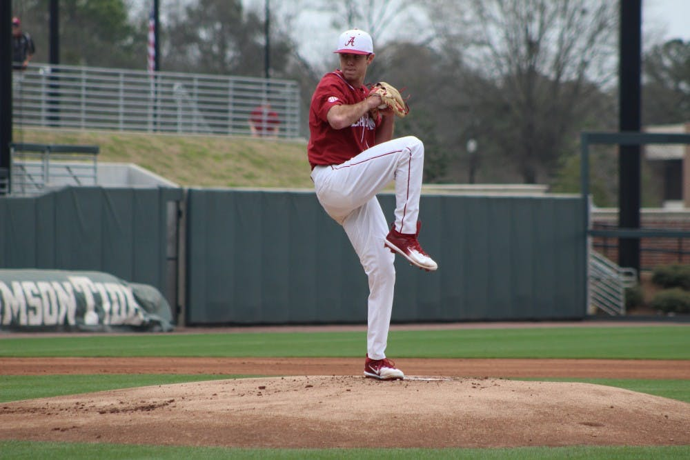 Baseball swept by No. 19 Texas A&M
