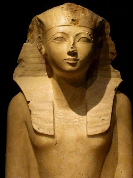 Queer History: Rethinking Hatsheput's Gender