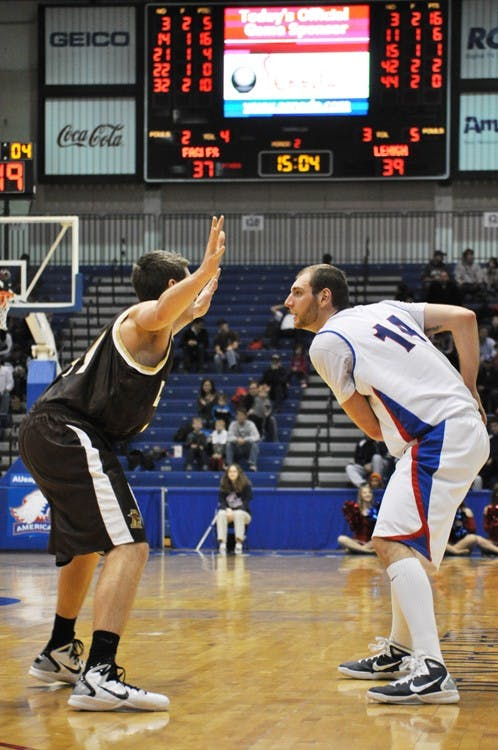 Moldoveanu leads Eagles past reigning PL champions