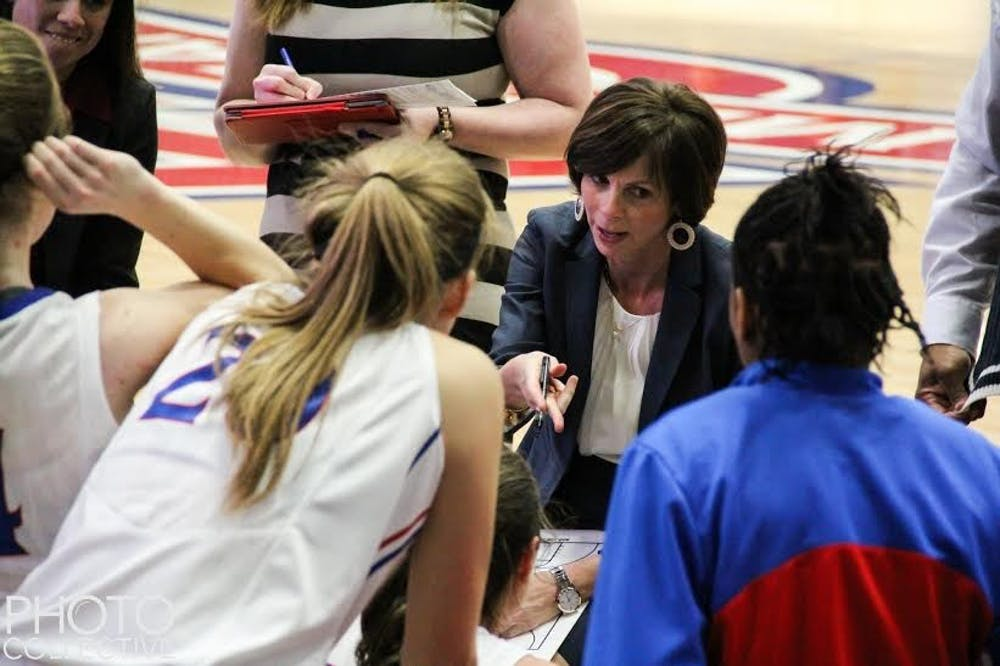 Women's basketball extends winless streak to six against Wake Forest