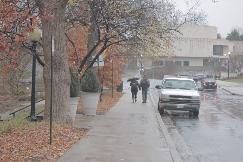 AU Safewalk helps students get home safely by walking with others