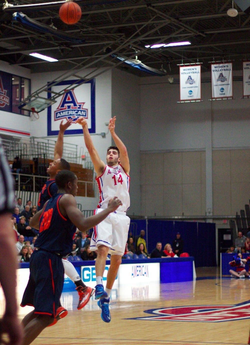 Men's Basketball upsets Lehigh in quarterfinals, win 68-62
