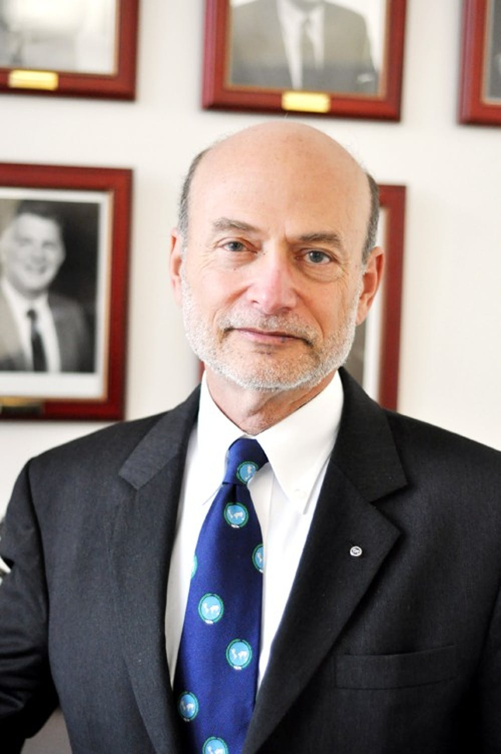Dean of SIS to step down, will return to teach
