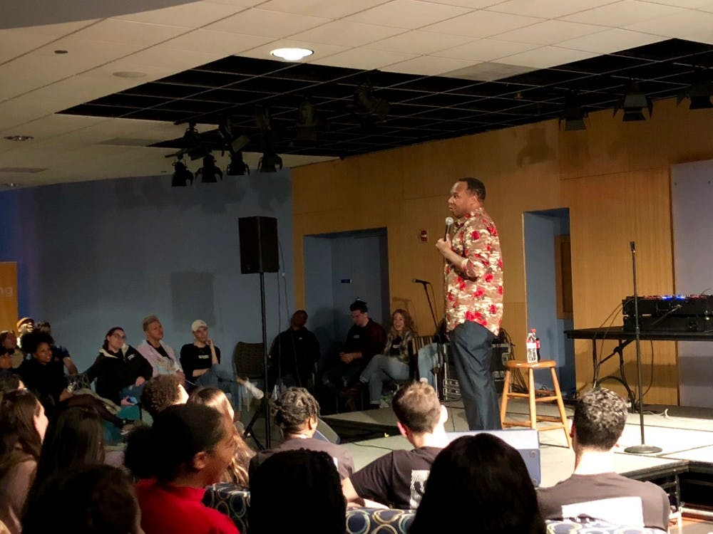 Roy Wood Jr. quenches AU students' 'thirst' for comedy with Tavern performance