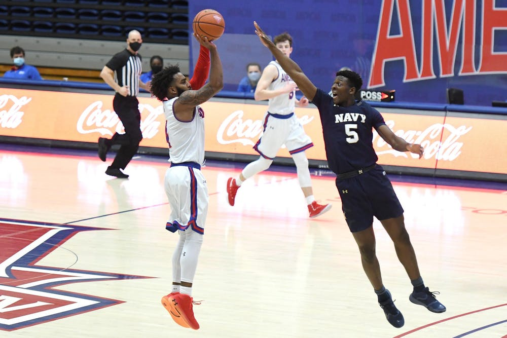 Men's basketball falls to Navy for second straight contest despite big day from Harris