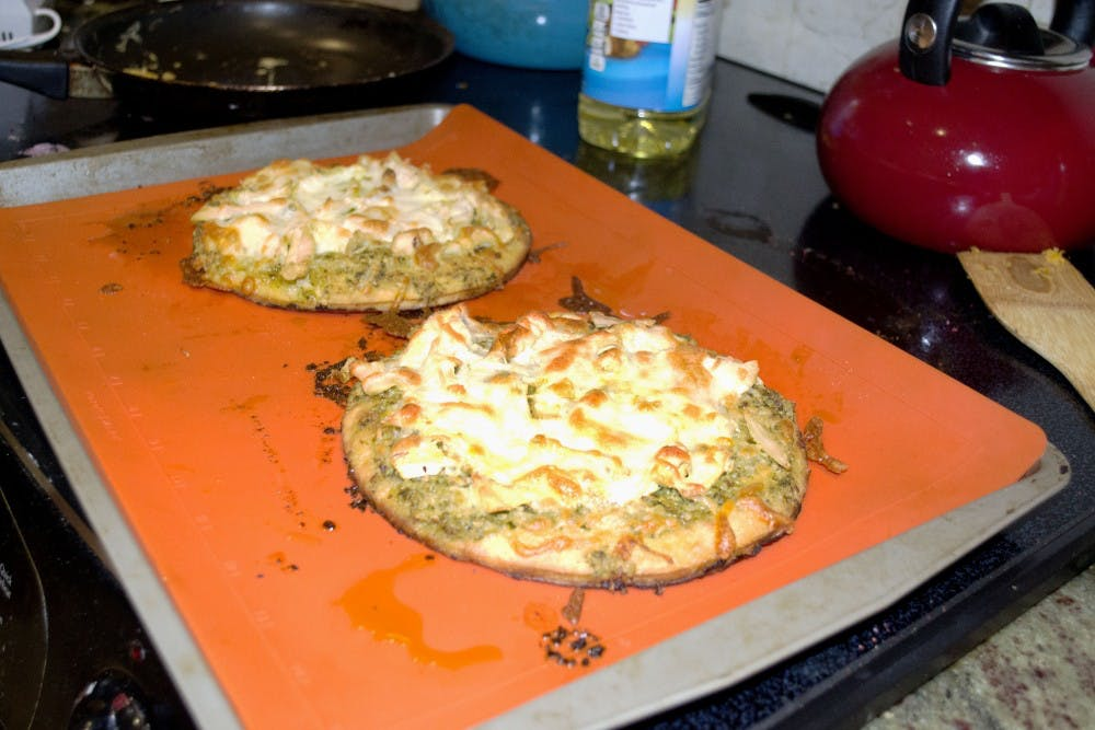 Getting Baked with Heather: Chicken and pesto pizza