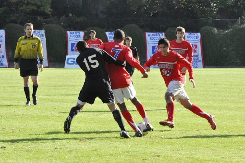 Men's soccer ties Holy Cross, will play to share league title
