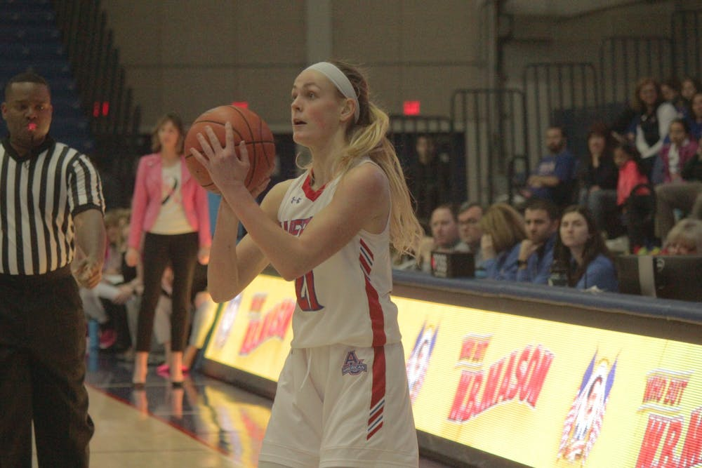 Women's basketball closes out season with a win