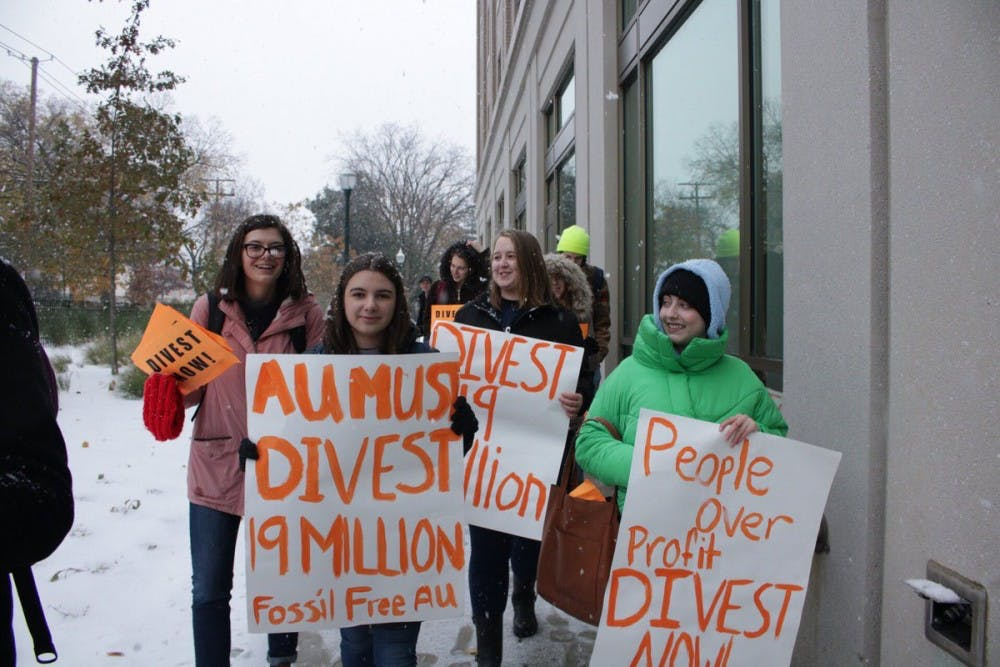 Fossil Free AU escalates efforts to convince university to divest from fossil fuel industry