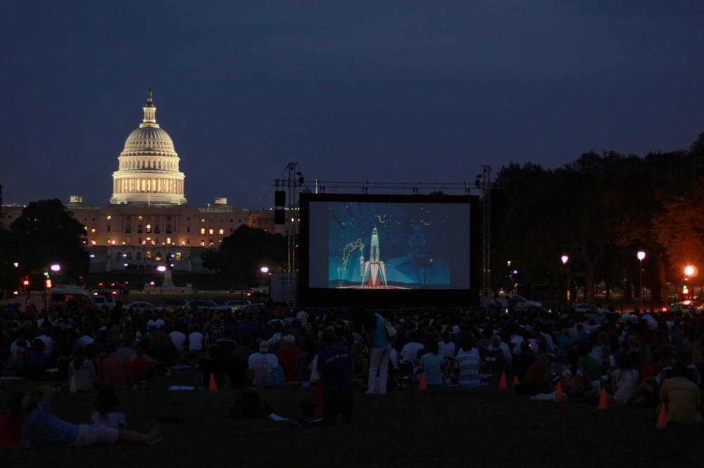 """Screen on the Green"" brings classic movies to the Mall"