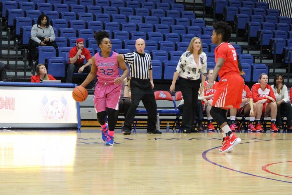 Women's basketball storms past Terriers 79-33 on Play4Kay night