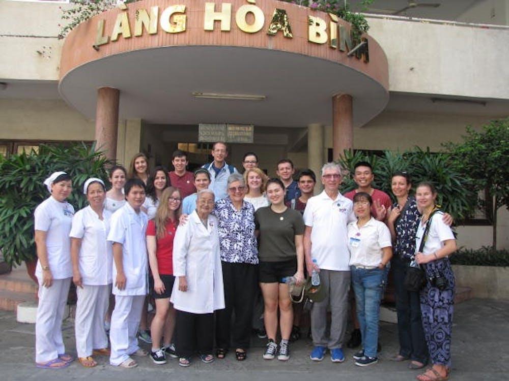 Students travel to Vietnam on Alternative Break trip