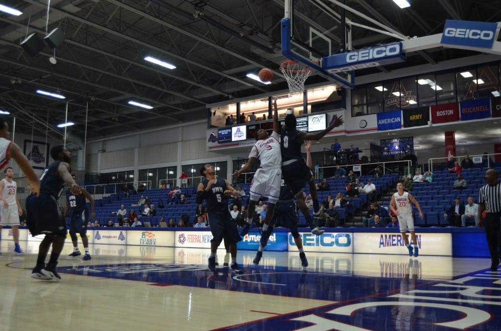 Men's basketball falls to Navy 71-53