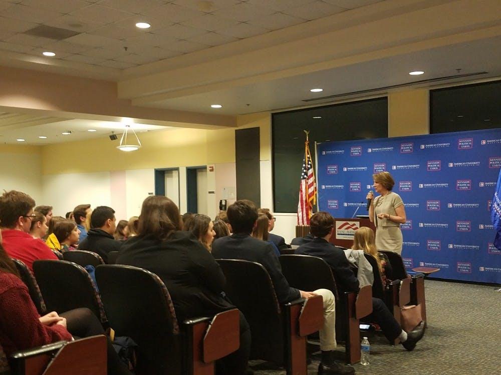 Carly Fiorina talks leadership, gender dynamics of running for office