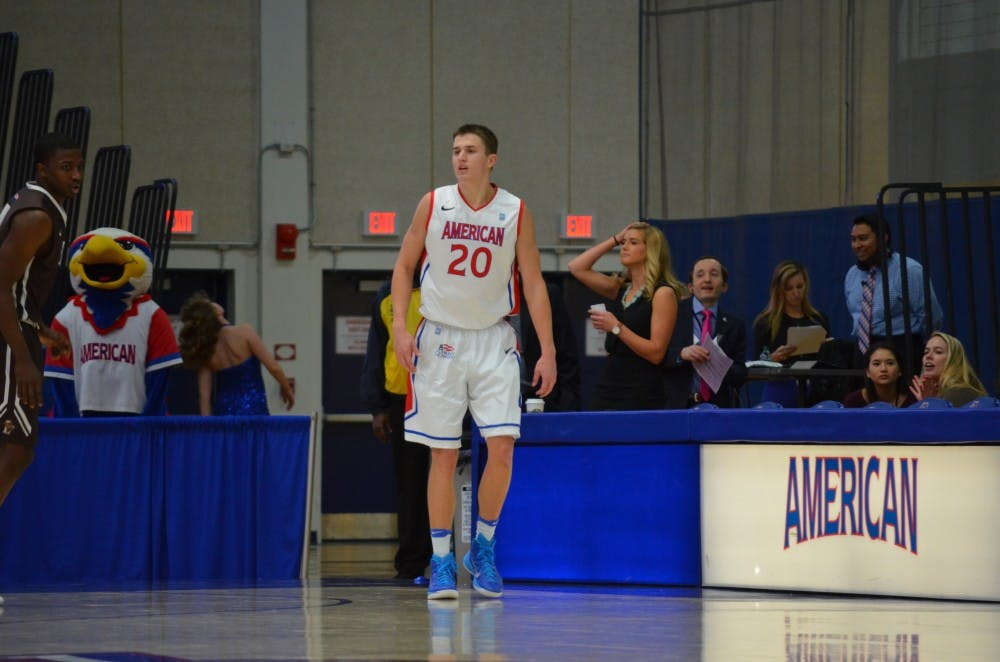 Eagles fade late, lose to Holy Cross 69-54