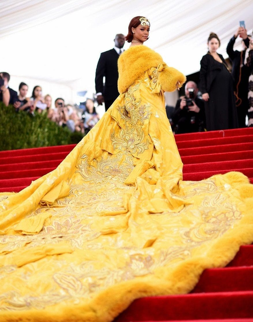 yellowdressmetgala.jpg
