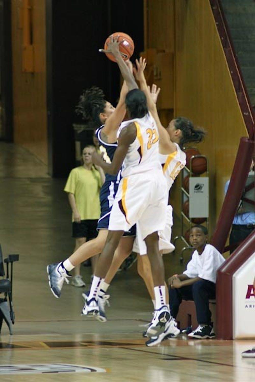 11-10-w-basketball