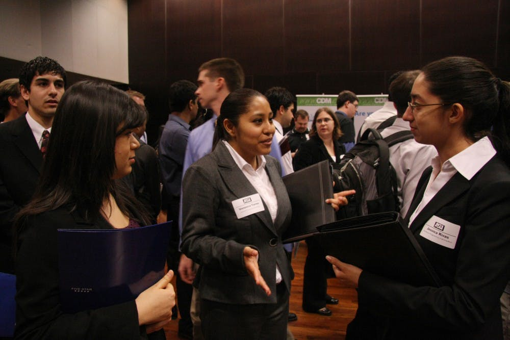 0210_career_fair003